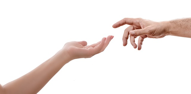 natažené ruce