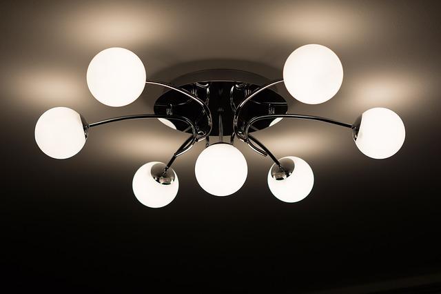 stropní lustr